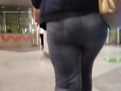 Massive mature ass and hips