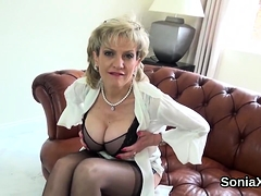 Cheating british mature lady sonia flashes her monster hoote