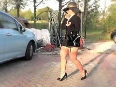 Blonde mature is a sex addict & doesn't hesitate to seduce her driver !