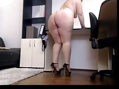 webcam_big_ass_lady_cums_on_cam. Chat live camgirl - Gamadestian.com