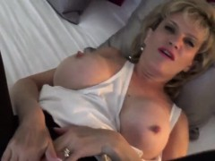 Unfaithful english mature gill ellis shows her big naturals3