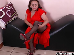 Latina milfs Gloria and Rosaly stuff their pussy with dildo