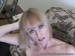 MILF Plays A Sex Game