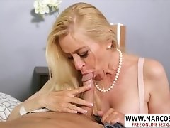 Super Step Mommy Robin Pachino Seduces Well Young Friend