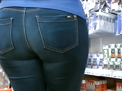 Candid big ass mature in tight jeans