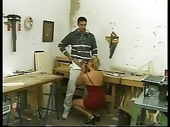 Rich German Mature give her Ass to locksmith